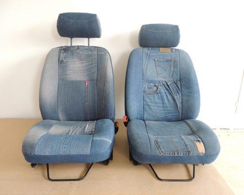 Atelier SEDENTaire intérieur 205 Peugeot sièges et banquettes avec des vrais JEANS