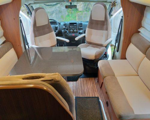 SEDENTaire aménagement intérieur banquette camping car caravane Lozère Aubrac Aveyron Camping car SEVERAC D'AVEYRON caravane sellier tapissier sellerie